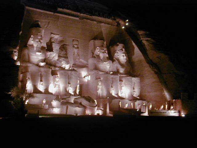 Abou Simbel la nuit