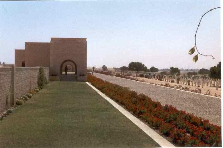 Le Mausolée du cimitiérs des Alliés à Alamein...