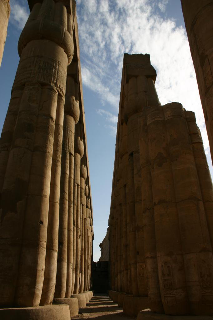 L'élégance des colonnes du temple de Louxor