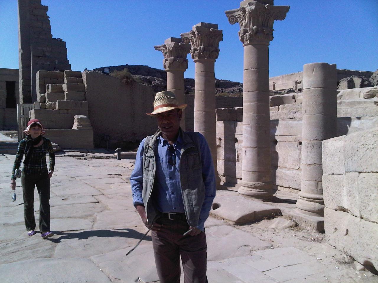 Hussein.....Vue sur le site de Dendera