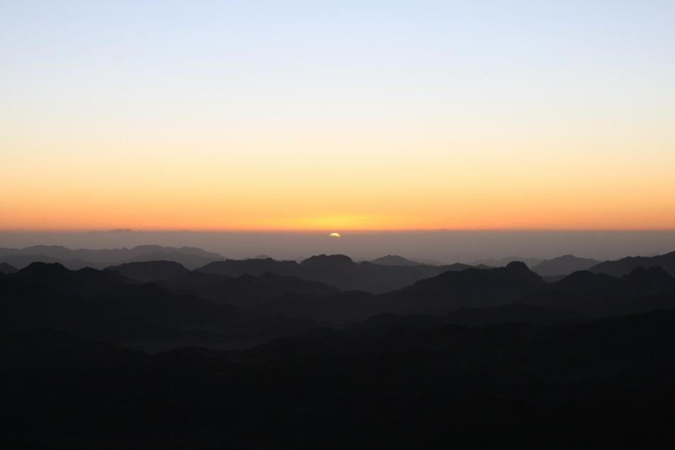 Levé du soleil sur le Mont Sinaï