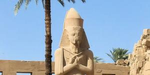 Ramses 2 dans le temple de karnak