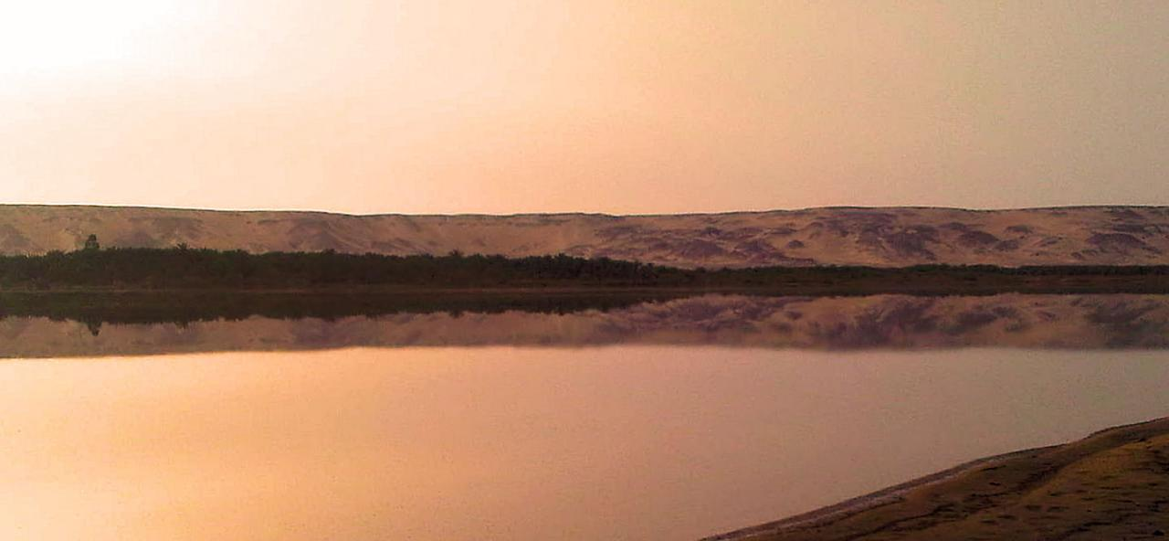 Lac naturel de l'oasis de Bahareya