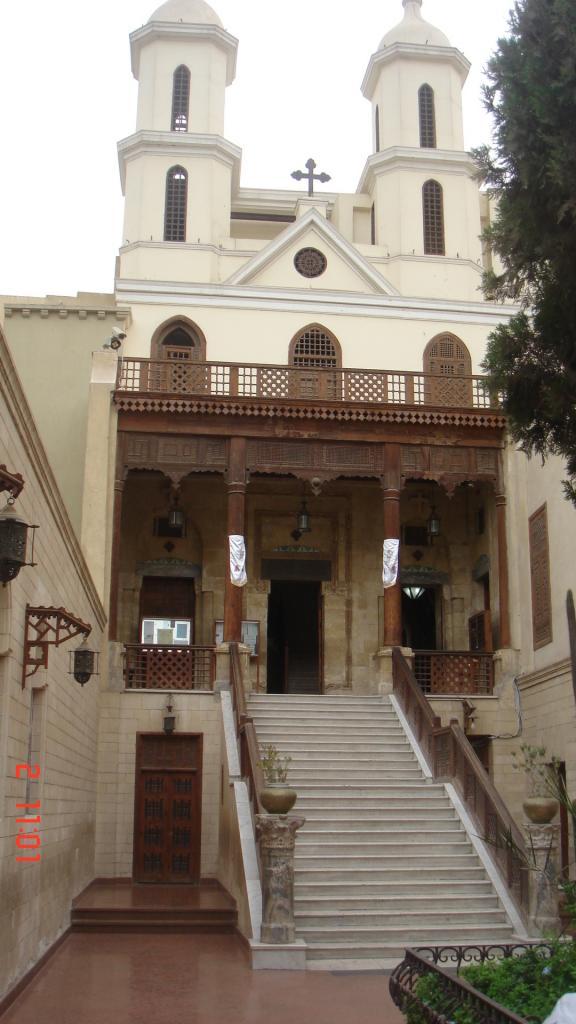 l'église suspendue dans le quartier copte