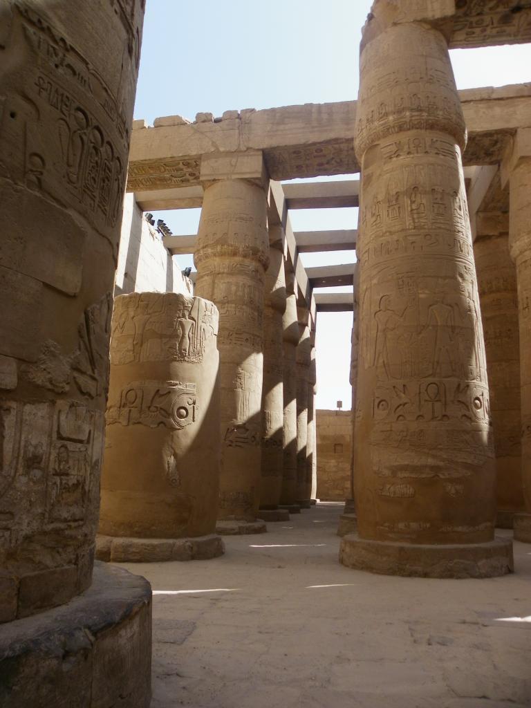 La salle de colonnes du temple de karnak